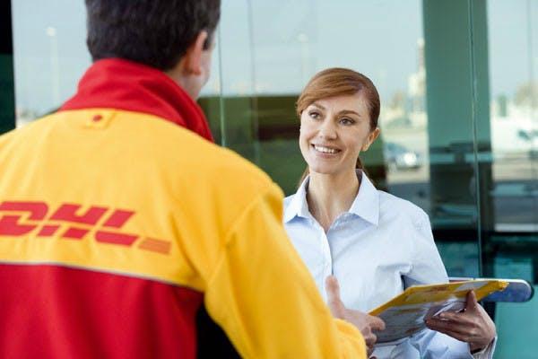 Reaktion auf Amazon-Vorstoß: DHL liefert Bestellungen jetzt bundesweit auch abends aus