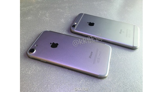 "iPhone 7 vs. iPhone 6s. (Foto: <a href=""http://www.nowhereelse.fr/iphone-7-vs-iphone-6s-photos-114689/""<Nowhereelse</a>)"