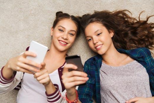 So viel Lebenszeit verbringen Nutzer mit Social Media