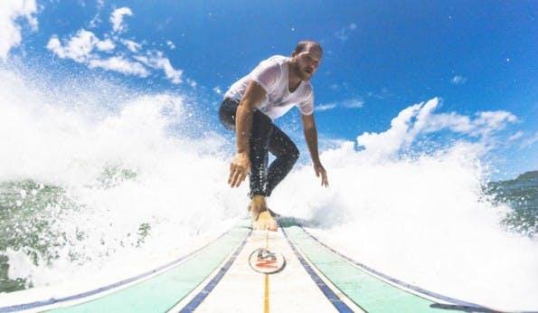 Surfen auf Sri Lanka: Sebastian Canaves hat sich mit seinem Reiseblog einen Traum erfüllt. (Foto: Off the Path)