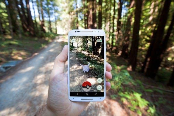Was muss dieses Pokemon Go für einen Spaß machen! Matthew Corley / Shutterstock.com