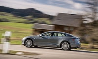 Fehlerhafte Bremse: Tesla ruft zehntausende Autos zurück