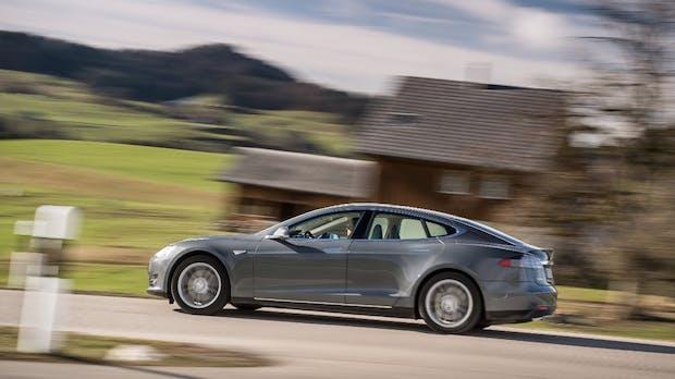 Neuer Antrieb: Tesla testet dreimotoriges Model S