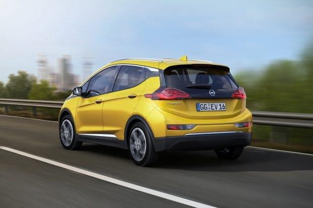 Opel Ampera-e - der Kofferraum soll das Fassungsvermögen eines ausgewachsenen Kompaktklasse-Fünftürers besitzen. (Foto: Opel)