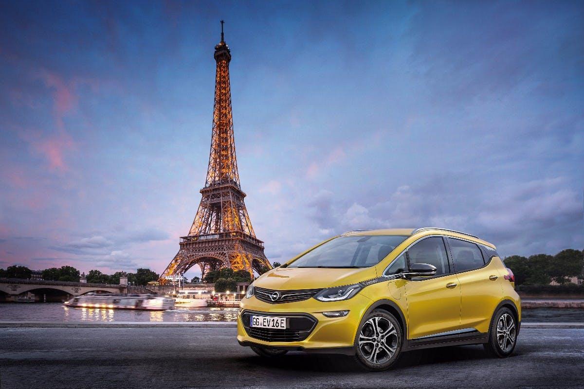 Elektroautos statt Verkauf an Peugeot? Opel soll Umbau zur E-Marke planen