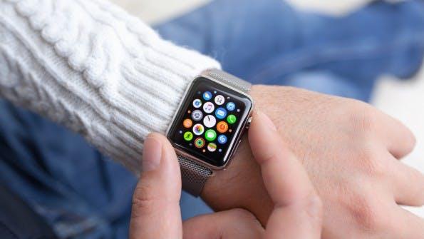 """Die Apple Watch wird in Kürze aktualisiert. (Foto: <a href=""""http://www.shutterstock.com/gallery-695464p1.html?cr=00&pl=edit-00"""">Denys Prykhodov</a> / <a href=""""http://www.shutterstock.com/editorial?cr=00&pl=edit-00"""">Shutterstock.com</a>)"""