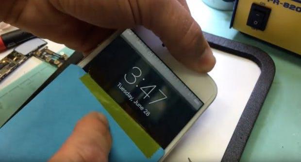 Das graue Flackern zeugt von Displayproblemen beim Apple iPhone 6. (Screenshot: Youtube/Rice Is For Dinner/t3n)