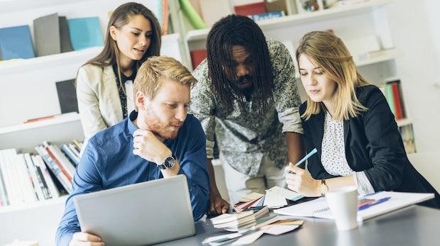 Führungsqualität: Männer und Frauen reagieren unterschiedlich auf Feedback