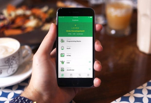 Mimo: Mit der Smartphone-App könnt ihr in jeder freien Minute an euren Coding-Fähigkeiten arbeiten. (Foto: Mimo)