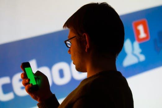 Daten protokolliert: Facebook weiß, mit wem du telefoniert hast