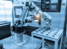 Industrieroboter. (Foto: asharkyu/Shutterstock)
