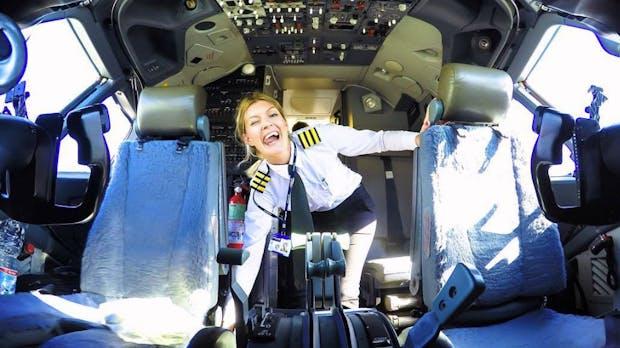 Diese Pilotin feiert ihren Traumjob mit genialen Instagram-Selfies