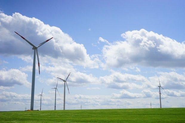 Nur wenn Überschüsse aus grüner Energie zur H2-Herstellung genutzt werden, ist Wasserstoff wirklich eine saubere Energiequelle. (Foto: PIxabay.com)