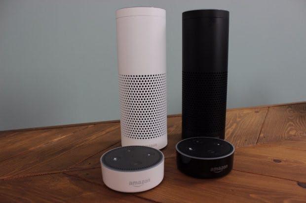 Amazon Echo und echo Dot werden in Deutschland in Weiß und Schwarz angeboten – bis auf Weiteres aber nur auf Einladung. (Foto: t3n)