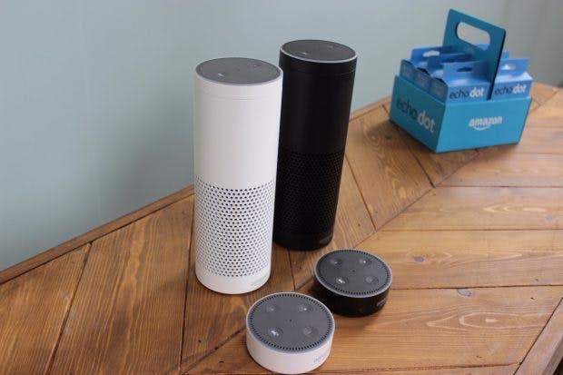 Amazon Echo mit dem smarten Assistenten Alexa ist ab dem 26. Oktober in Deutschland erhältlich. (Foto: t3n)