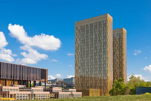 Europäischer Gerichtshof: EuGH-Urteil besagt, dass schon das Setzen eines Links eine Urheberrechtsverletzung darstellen kann. (Foto: Peter Fuchs / Shutterstock.com)