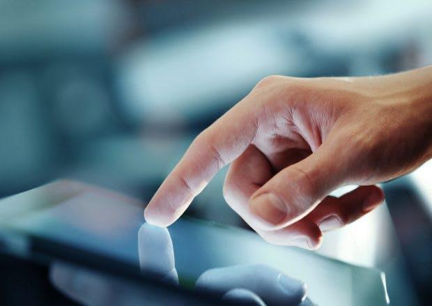 Weniger Interface: UI-Designer sollen aufhören in grafischen Oberflächen zu denken. (Foto: Shutterstock-Peshkova)