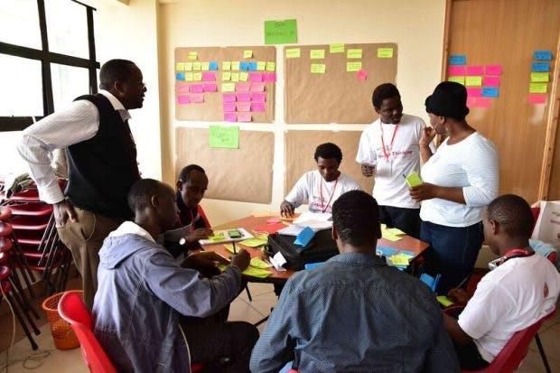 In kleinen Gruppen wurden die ersten Ideen weiter ausgearbeitet. (Foto: Julia Zhu)
