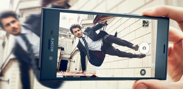 """Der Slogan für die neuen Sony-Xperia-Flaggschiffe: lautet """"Caption without blur"""". (Foto: Sony)"""