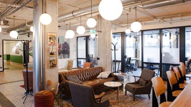 Platz für Alle: Der Coworking-Space (Foto: Andreas Lukoschek)