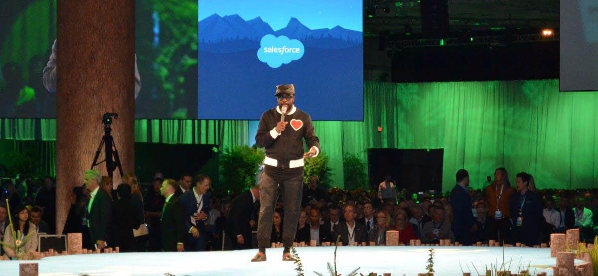 Will.i.am und Salesforce machen das Tech-Spektakel Dreamforce zur sozialen Kundgebung