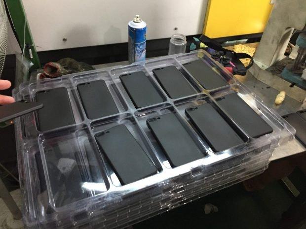 Einige der produzierten iPhone-Cases. (Foto: Moritz Stückler)