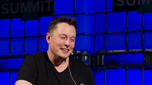Tesla schreibt erstmals seit drei Jahren wieder Gewinn