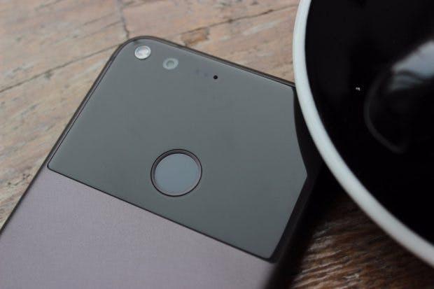 Das Google Pixel (XL) ist hervorragend verarbeitet. (Foto: t3n)
