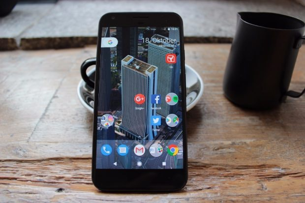 Google Pixel XL mit Pixel-Launcher-Homescreen. (Foto: t3n)