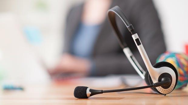 E-Mail und Telefon statt Chatbot: Online-Käufer wollen keinen Mensch-Maschine-Dialog