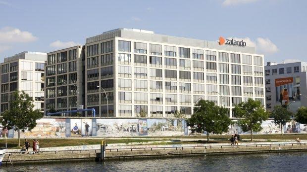 In den Warenlagern von Zalando sorgen vor allem die Pausenzeiten für Kritik. 4kclips / Shutterstock.com