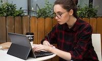 Schick und bezahlbar: Finnische Surface-Alternative bricht europäischen Indiegogo-Rekord