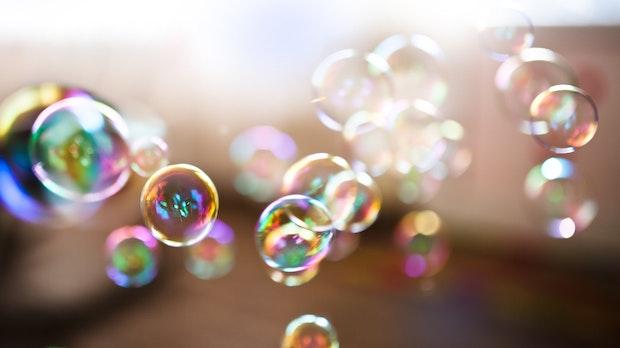 Fuck the Bubble: So bringst du deine Filterblase zum Platzen