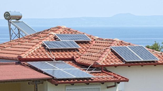 Teslas Solardach wird günstiger als ein herkömmliches Dach