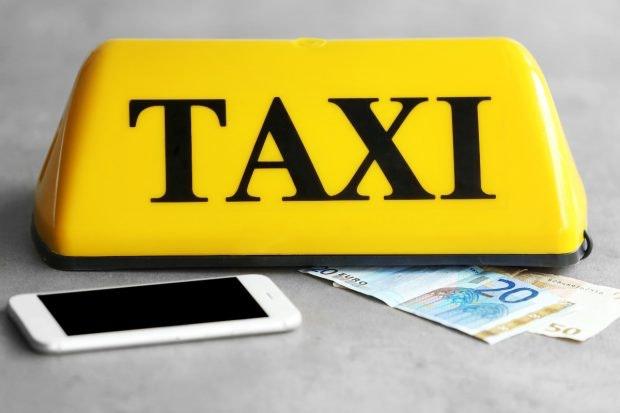 Taxi-Branche will Uber mit eigenem Sharing-Dienst Paroli bieten. (Bild: Shutterstock.com)