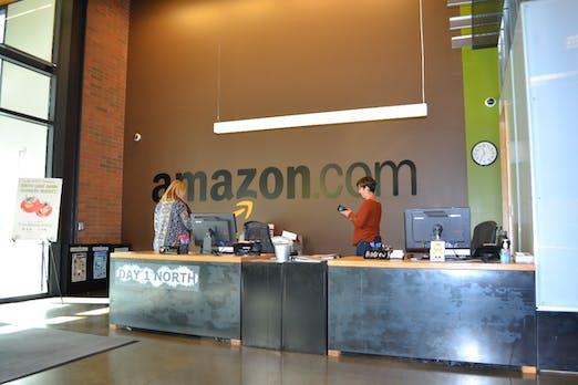 Amazon streicht weltweit hunderte Stellen im Retail-Bereich