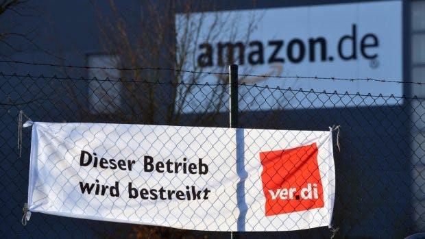 Schon seit Jahren versucht Verdi mit Streiks Druck auf Amazon auszuüben. (Foto: dpa)