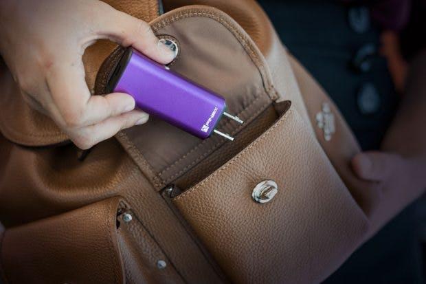 Für Macbook Pro & Co.: Dart-C soll das kleinste USB-C-Ladegerät der Welt sein. (Foto: Finsix)