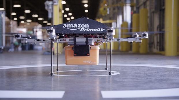 Amazon-Drohne soll Elektroautos beim Fahren aufladen