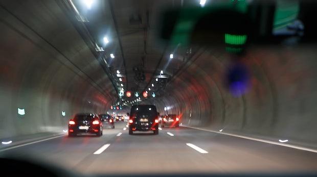 Elon Musk: Tesla-CEO kündigt Tunnel-Bau auf Twitter an