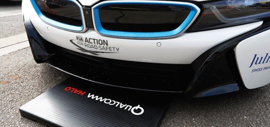 Elektroautos drahtlos laden: Qualcomm stellt Halo vor