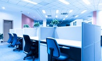 Beleuchtung am Arbeitsplatz: Darauf kommt es an