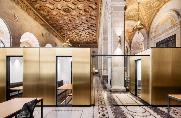 Moderne Co-Working-Spaces in historischen Gebäuden: Crew Collective – Montreal.