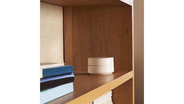 Google Wifi ist kompakt und fällt kaum auf. (Foto: Google)