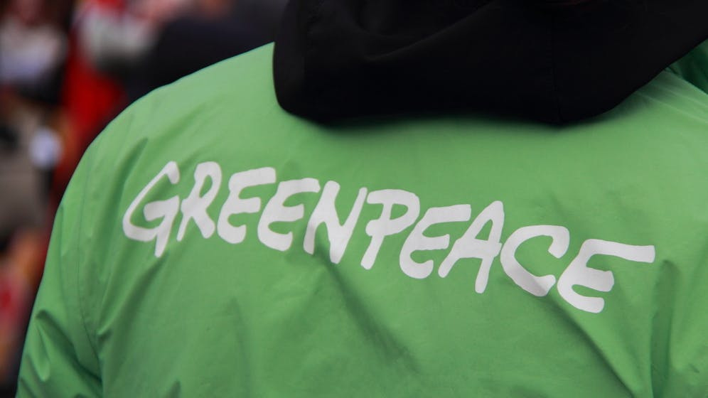 Greenpeace-Energiecheck: Apple, Facebook und Google top – Amazon fällt durch