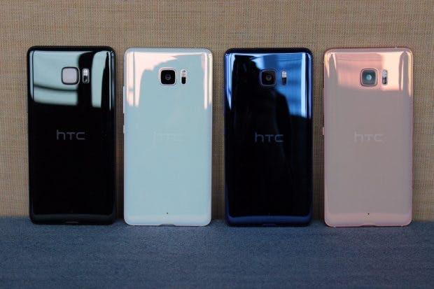 Die Farben des HTC U Ultra und U Play. Vorerst soll das Ultra nur n Schwarz und Blau verkauft werden. (Foto: t3n)