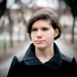 """Ingrid Brodnig: """"Es geht um die Machtverteilung im Netz – um Algorithmen und Cola."""" (Foto: Ingo Pertramer)"""