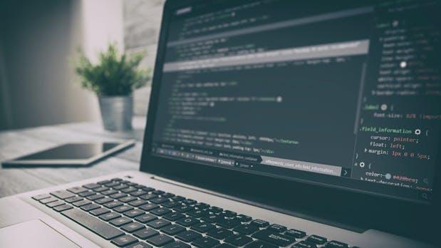 Das sind die gefragtesten Programmiersprachen in Unternehmen
