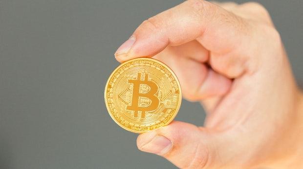 Dragoncard: Mit dieser Bankkarte könnt ihr an der Kasse mit Bitcoin bezahlen
