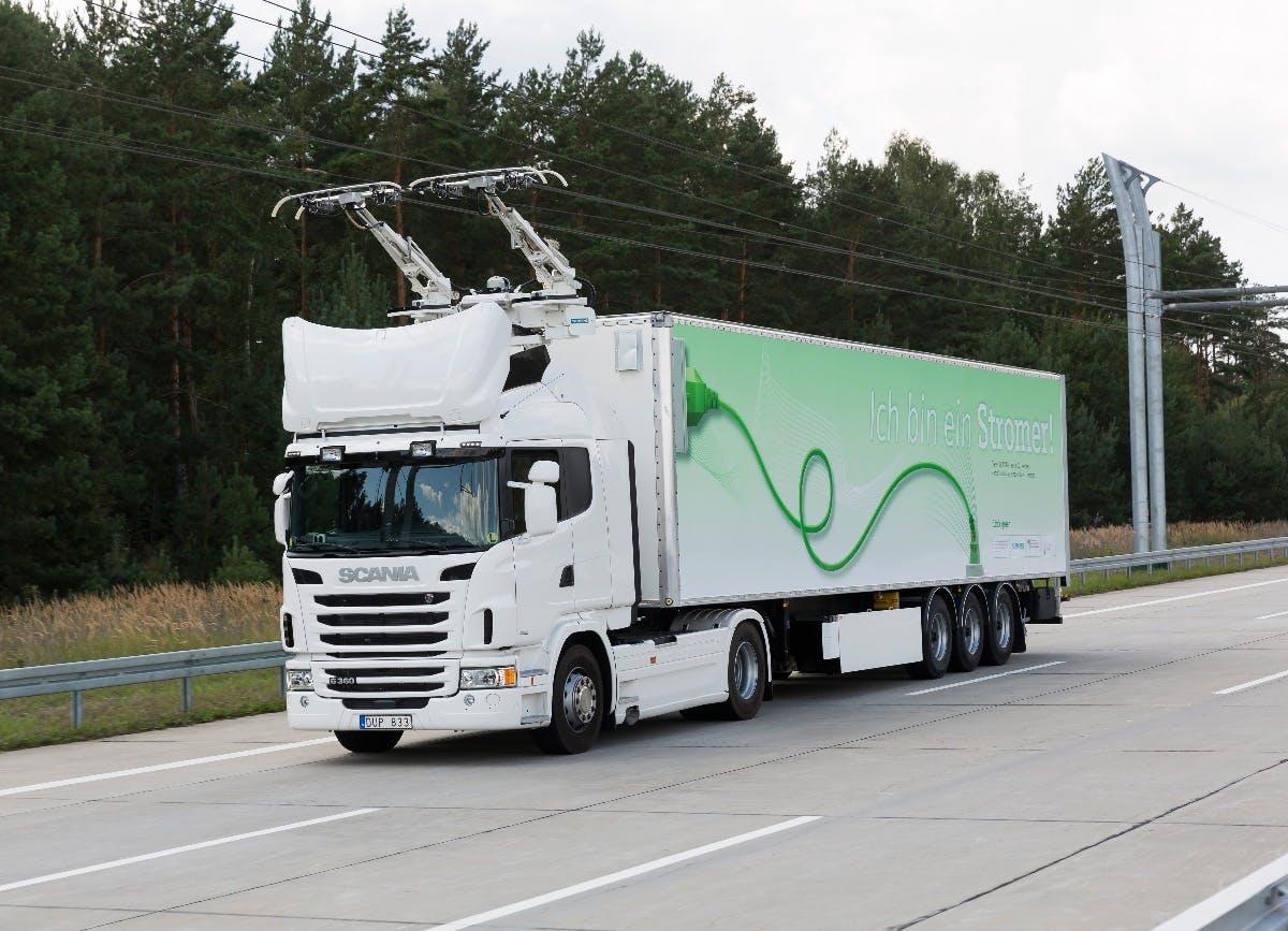 E-Mobilität: Deutschland testet Oberleitungs-LKW auf der Autobahn